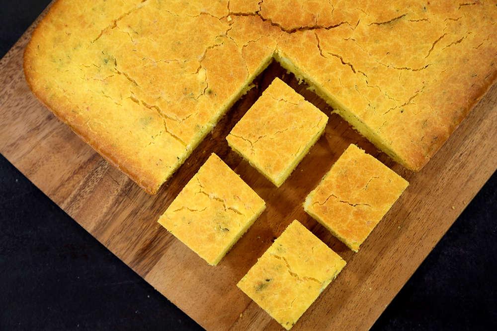 Otlu Peynirli Mısır Ekmeği