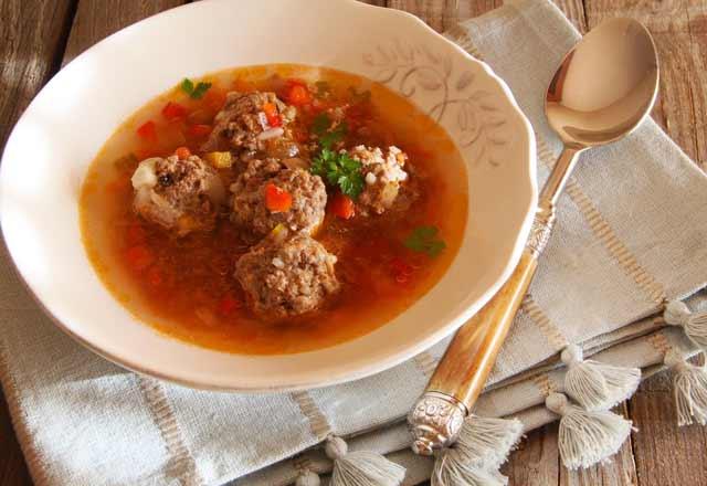 Sulu köfte çorbası tarifi