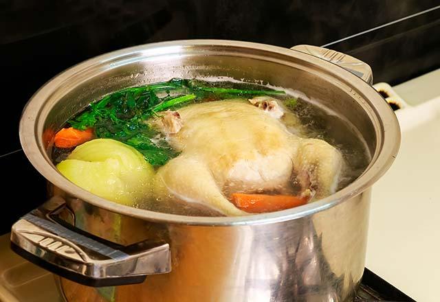 Tavuk suyunu böyle pişirirseniz şifa yerine geçiyor